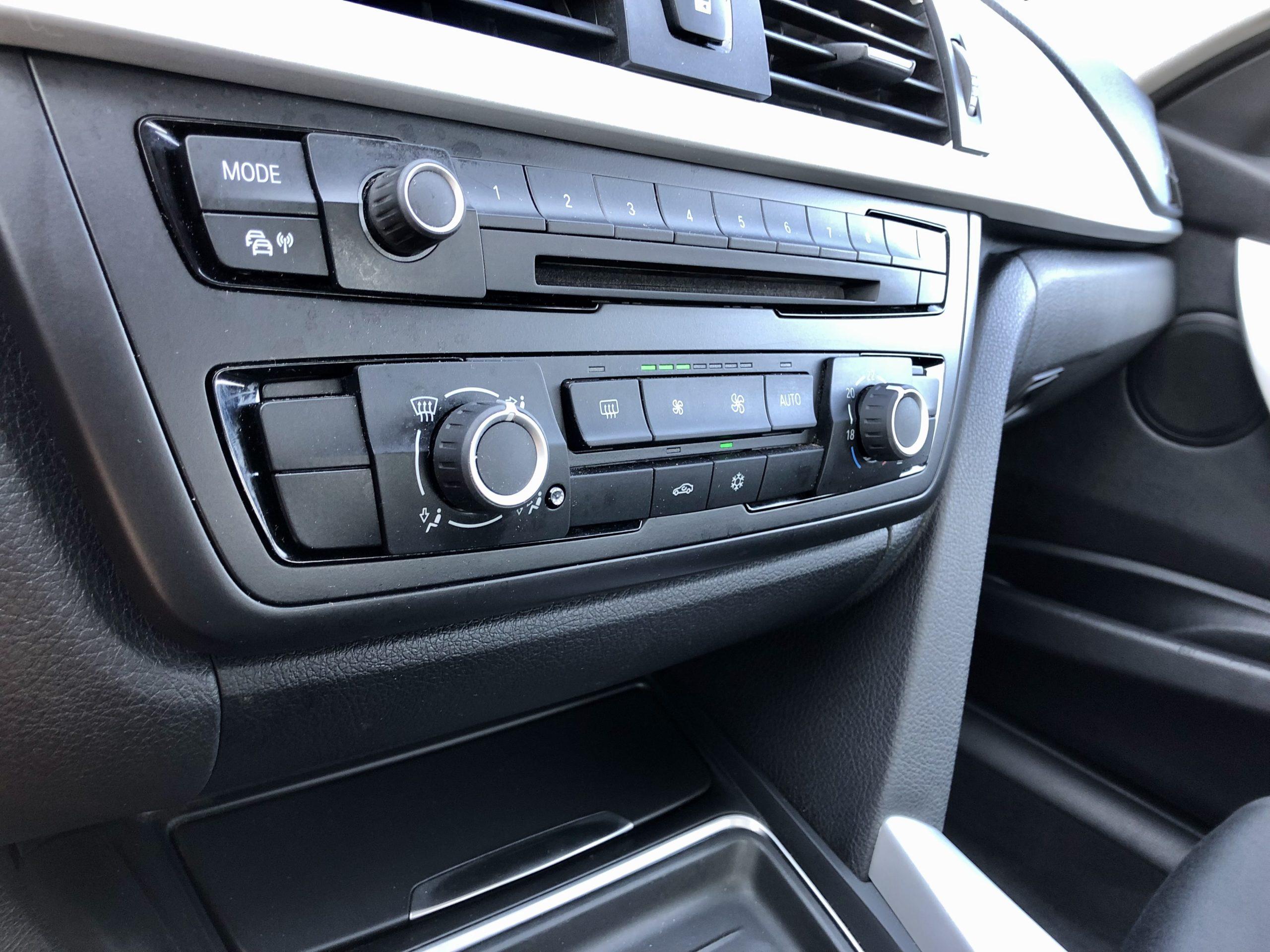 BMW 318 D F30 136 CV/DIN 6 VITESSES GARANTIE 12 MOIS full
